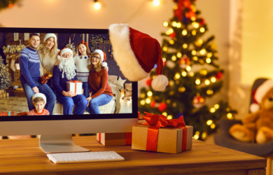 Family picture on laptop with xmas decorations